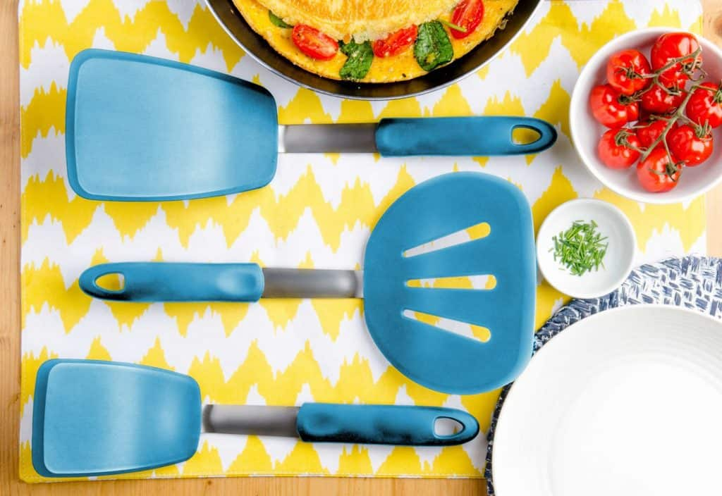 starpack set of silicone spatulas and pancake flippers